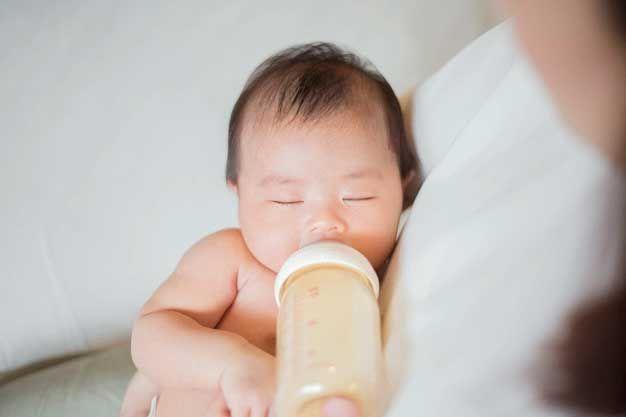 Cách bổ sung viatamin D cho trẻ sơ sinh