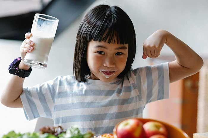 Trẻ biếng ăn chậm tăng cân: Dấu hiệu, triệu chứng và cách điều trị