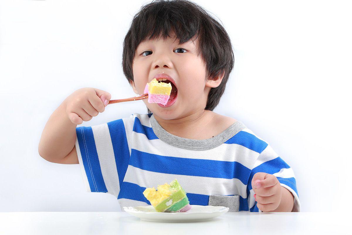 Gen tác động đến khuynh hướng ăn vặt của trẻ