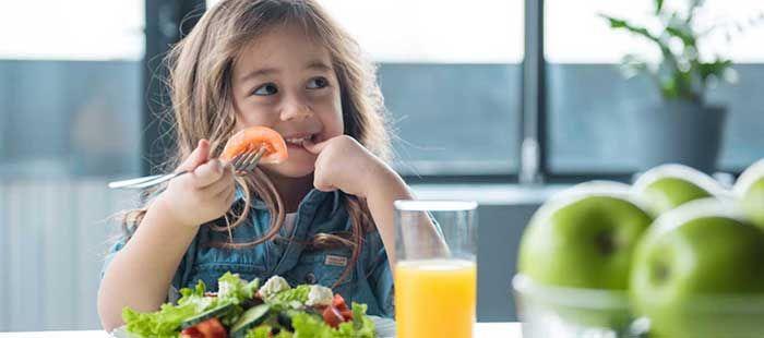 Lý do trẻ không tăng cân? Do bệnh lý và không do bệnh lý