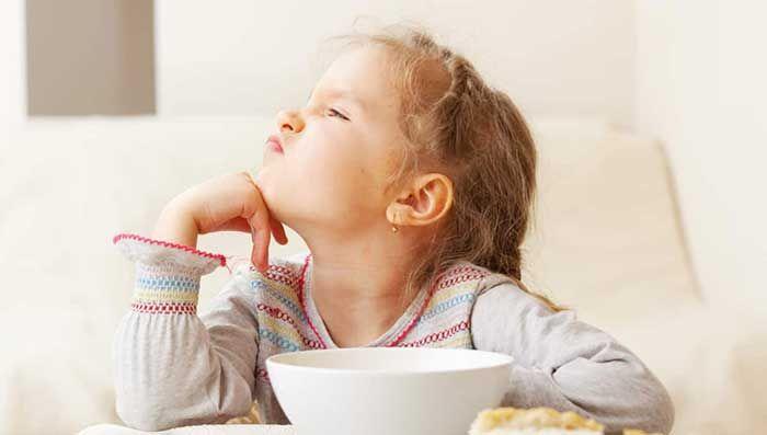 Nguyên nhân và triệu chứng bị táo bón của trẻ khi ăn dặm